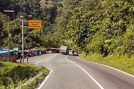 Road from Padang to Bukittinggi, West Sumatra 2017-02-14 01.jpg