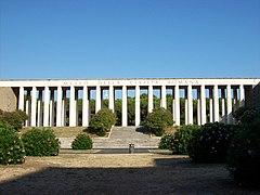 Roma 2011 08 22 Museo Civiltà Romana colonnato fronte