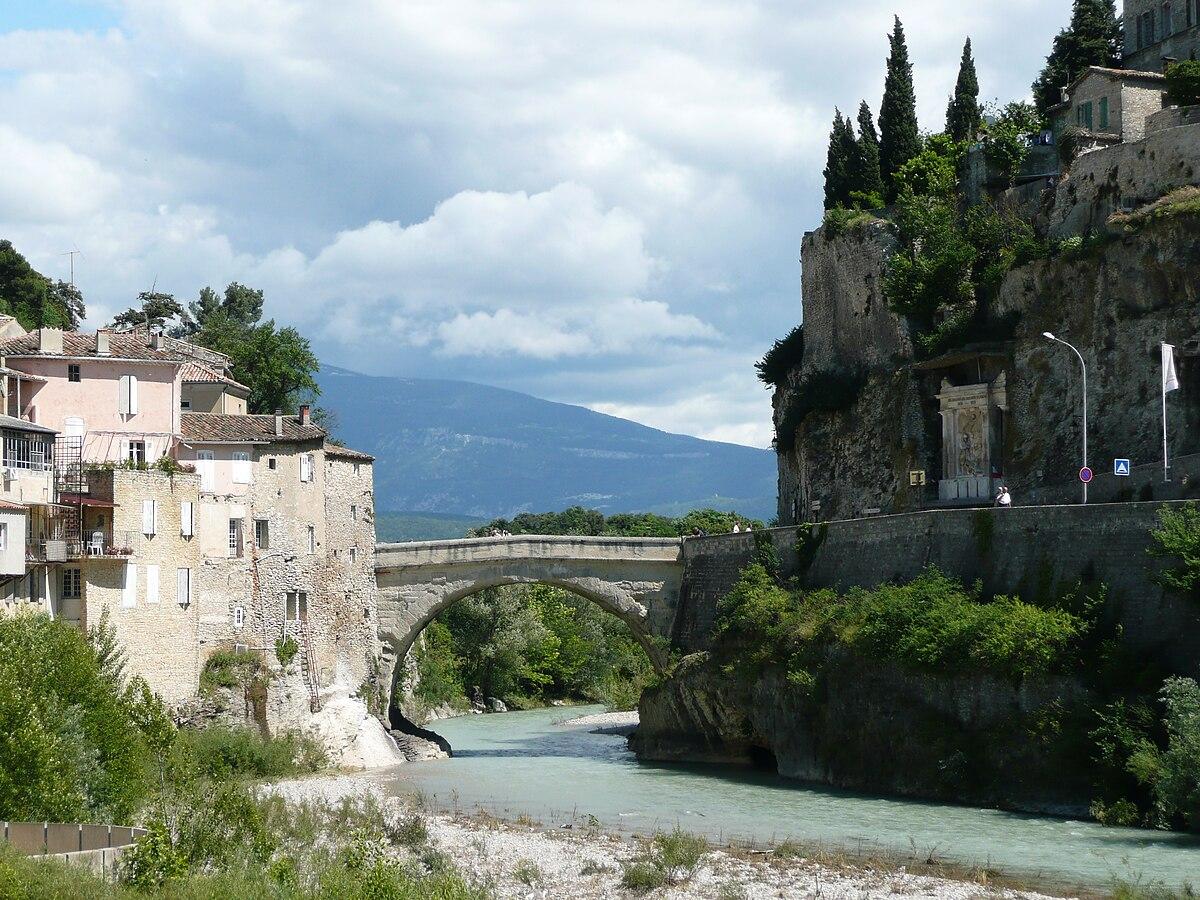 Roman bridge vaison la romaine wikipedia - Office du tourisme de vaison la romaine ...