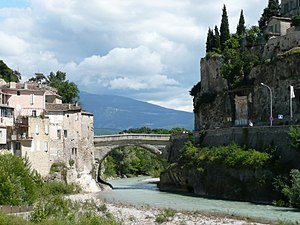 Roman Bridge (Vaison-la-Romaine) - Roman bridge in Vaison la Romaine, France