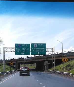 Wilbur Cross Highway - The signs for the intersection of CT 15/US 5 and I-91