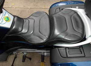 Motorcycle saddle - Image: Rt saddle