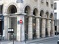 Rue des colonnes2.jpg