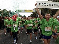Robert Korzeniowski (z numerem 11) podczas Run Warsaw 2007
