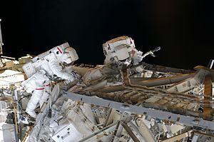 STS-126 EVA2 01