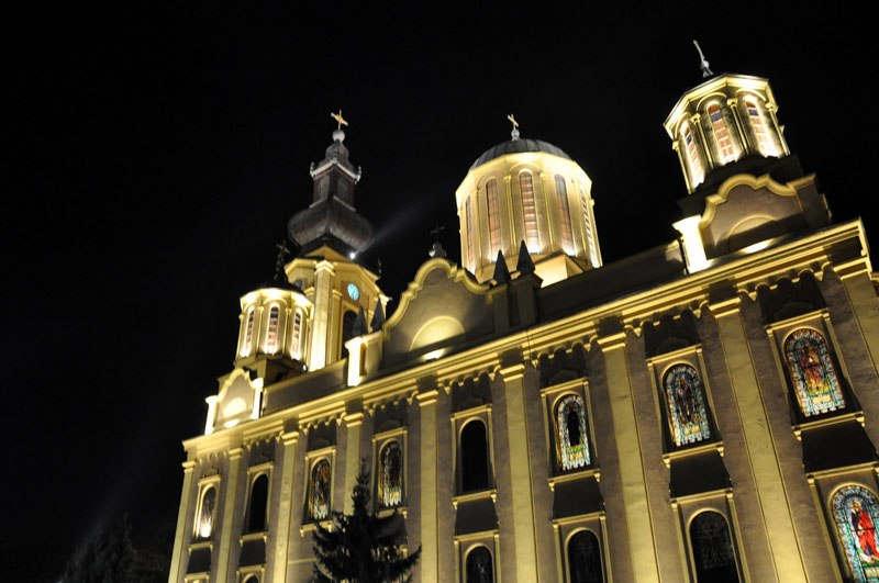 Saborna crkva u Sarajevu noću