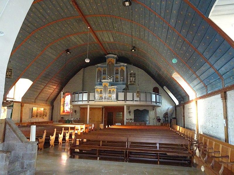 Datei:Saint-Légier-La-Chiésaz, Eglise réformée Notre Dame - La nef et l'orgue.jpg