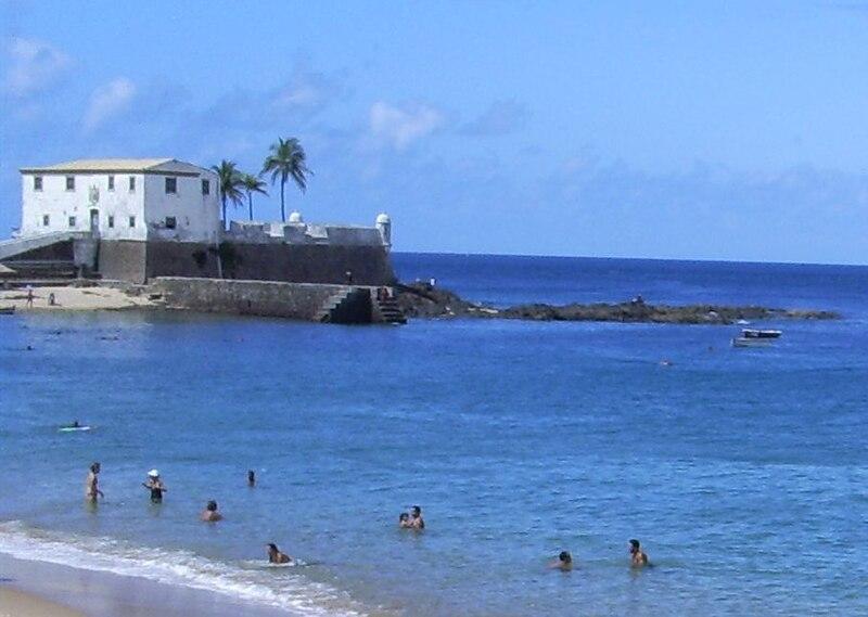 Ficheiro:Salvador Bahia porto da barra forte.jpg