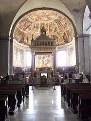 San Pietro in Vincoli altar 2.jpg