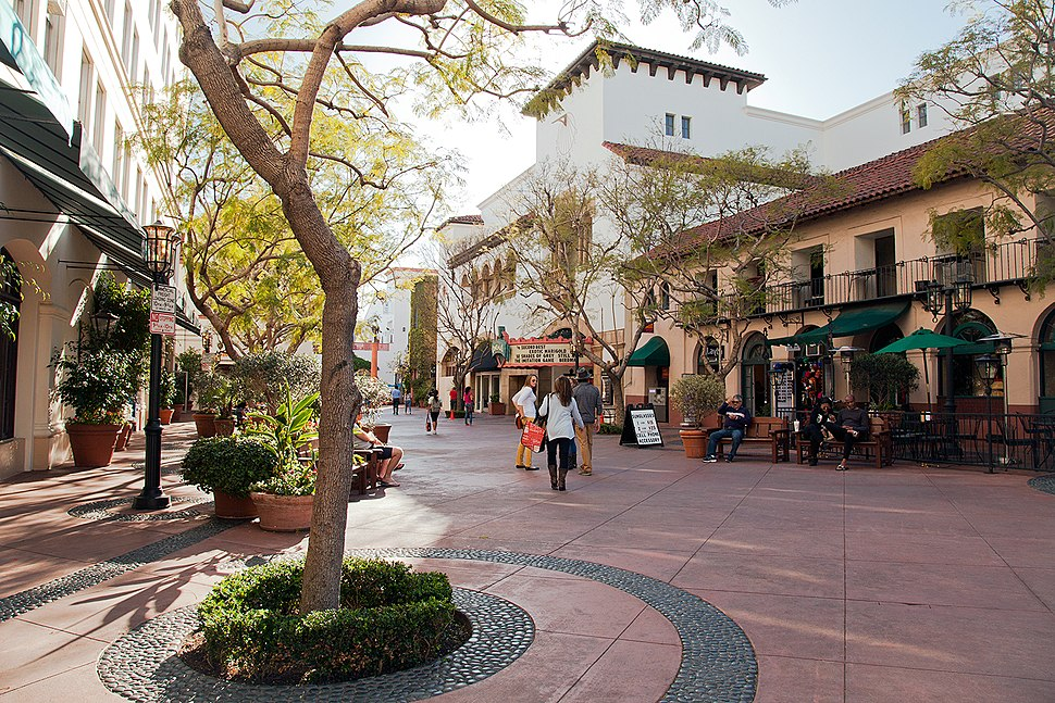 Santa Barbara downtown shopping center