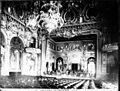 Scène de la salle de théâtre, Monte-Carlo (carte postale) (5616359110).jpg