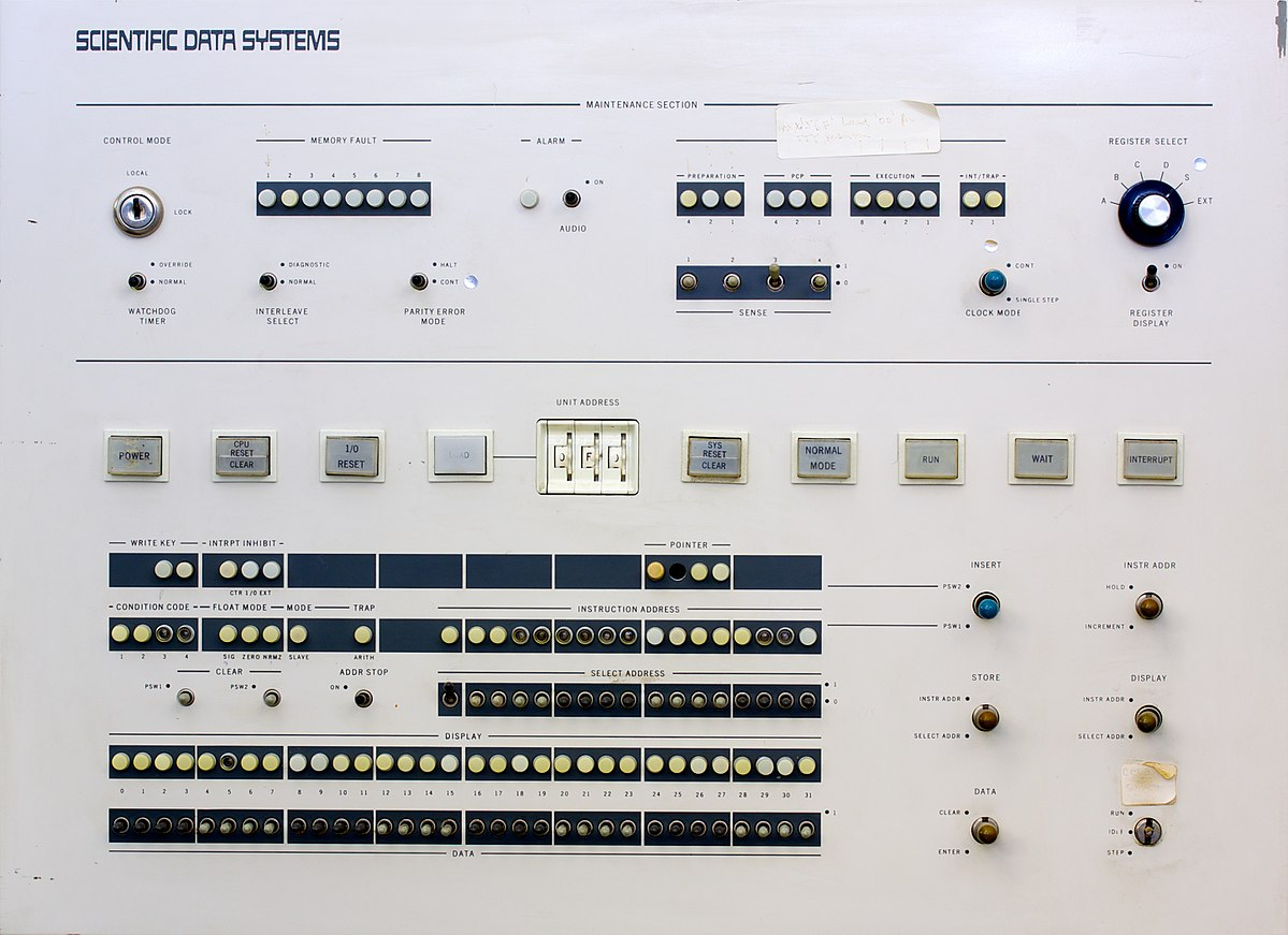 Scientific Data Systems Sigma 5 computer front panel.jpg