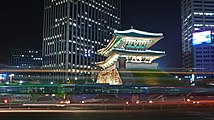Seoul-Namdaemun-at.night-02.jpg
