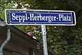 Seppl-Herberger-Platz-Schild.jpg
