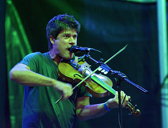 Seth Lakeman - Lakeman performing at Folk by the Oak Festival, Hatfield House in 2008