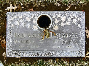 Betty Shabazz - The gravesite of Malcolm X and Betty Shabazz in Ferncliff Cemetery