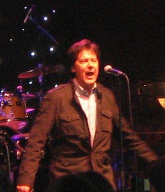 Shakin' Stevens - Stevens performing live