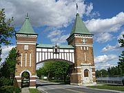 St-Hyacinthe Portes des Maires 2006.JPG