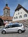 St. Laurentius von der Schulstraße und das ehemalige Schulhaus (Schulstraße 13) 02.JPG