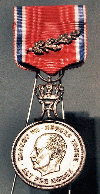 St. Olav's Medal - Picture of medal with Oak Branch