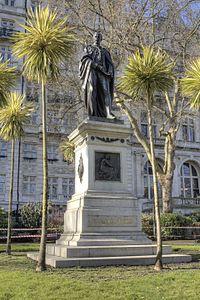Statue of Sir Henry Bartle Frere, 1st Baronet.jpg