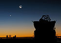 Sunset view at Paranal with Moon, Venus and an AT.jpg