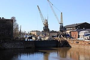 Suomenlinnan telakan pieni allas 3.JPG