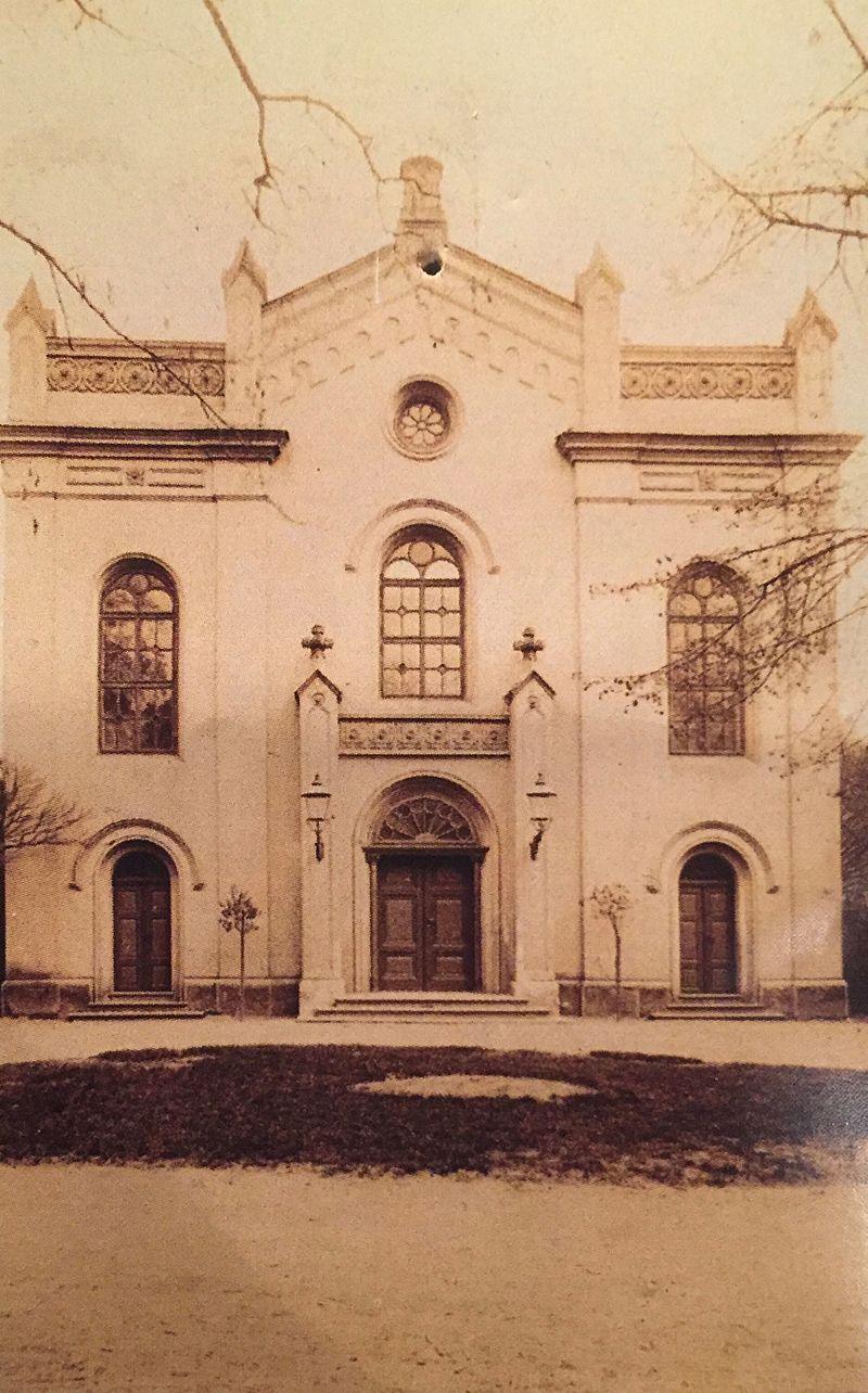 Synagoga Most.jpg