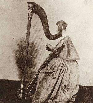 Henry Fox Talbot - Miss Horatia Feilding, half-sister of Talbot, playing the harp, c. 1842