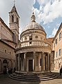 Tempietto und Glockenturm von San Pietro in Montorio.jpg