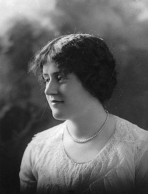 Thérèse Casgrain - Thérèse Forget, 1914