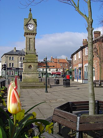 Thirsk - Image: Thirsk Square 2004