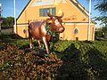 Thomas Sandell, kossan Dottie, CowParade 2004, Alviksplan, 2016b.jpg