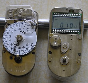 Time lock - A mechanical and an electronic timelock