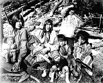 History of Yukon - Tlingit women and children.