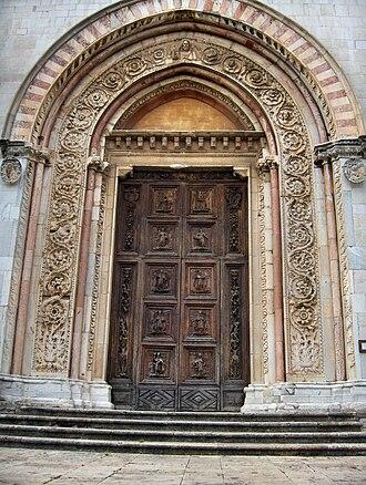 Todi Cathedral - Image: Todi 009