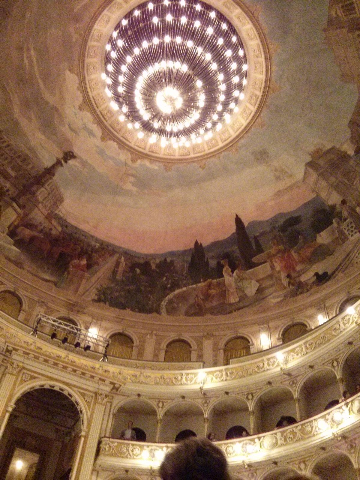 Teatro Flavio Vespasiano - Wikipedia