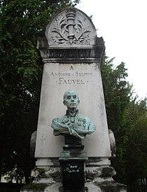 Tombe Antoine Sulpice Fauvel, Cimetière de Passy, Paris.jpg