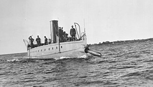 Howell torpedo - Torpedo Boat Stilletto launching a Howell torpedo, ca. 1890