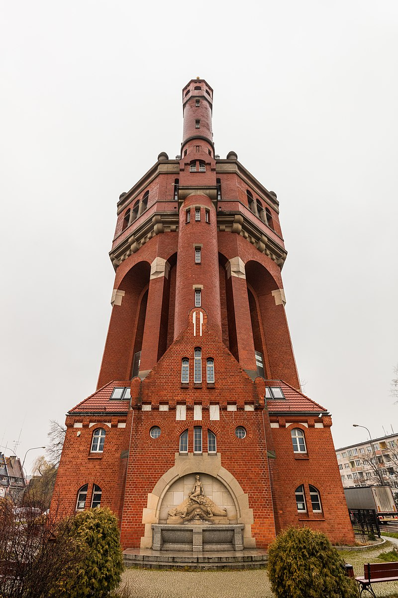 Torre del agua, calle Wiśniowa, Breslavia, Polonia, 2017-12-21, DD 12.jpg