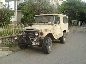 Toyota Land Cruiser 1980s.jpg