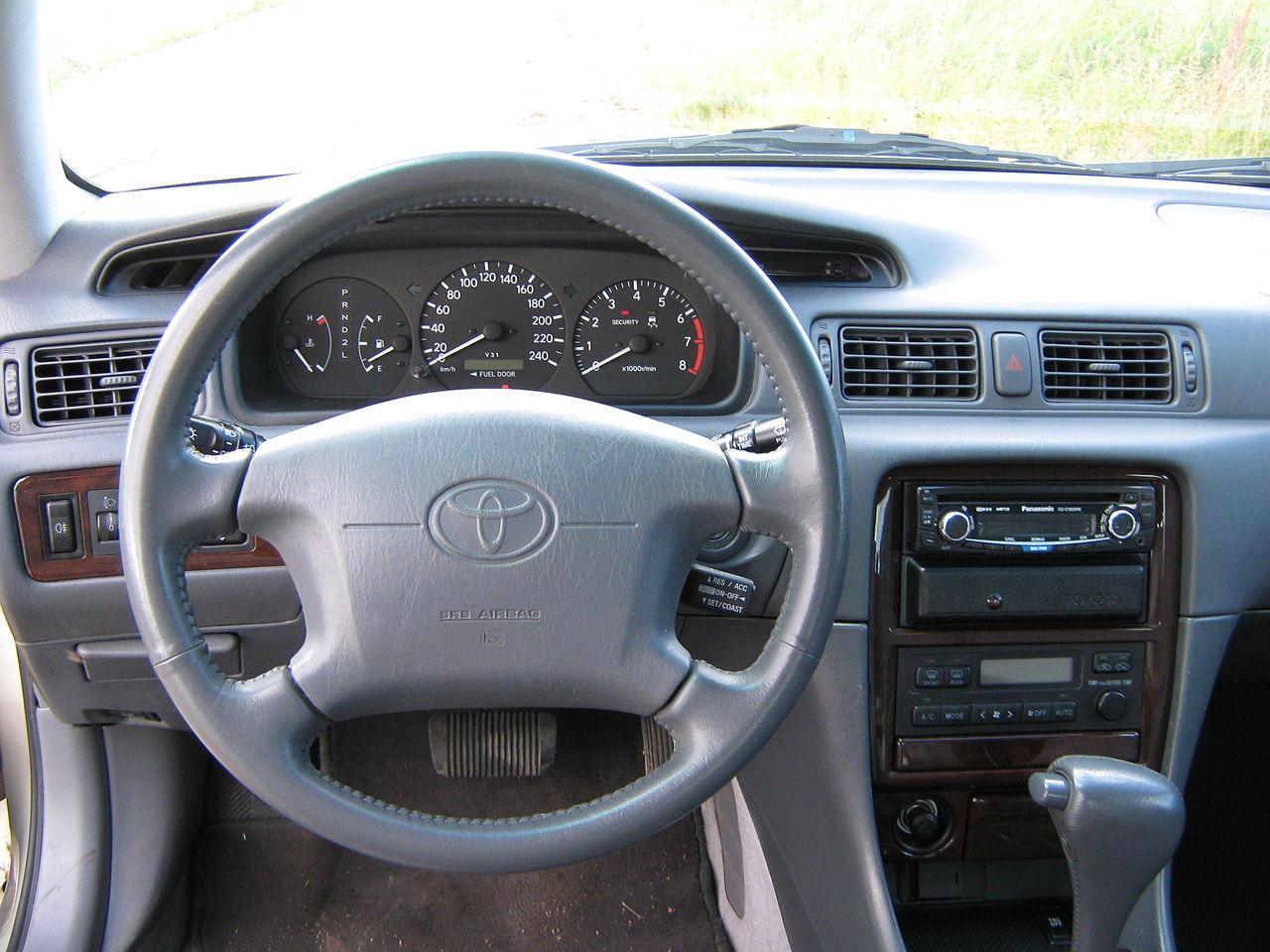 File Toyota Camry Interior Jpg Wikimedia Commons