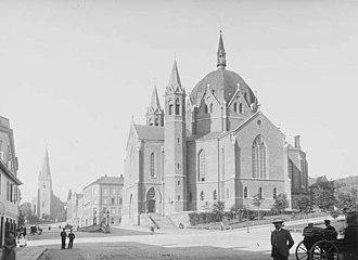 Trinity Church (Oslo) - Trinity Church in 1890. St. Olav's Cathedral (Roman Catholic) in the background