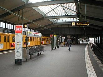 History of the Berlin U-Bahn - Gleisdreieck lower platform – today the U2 stops here