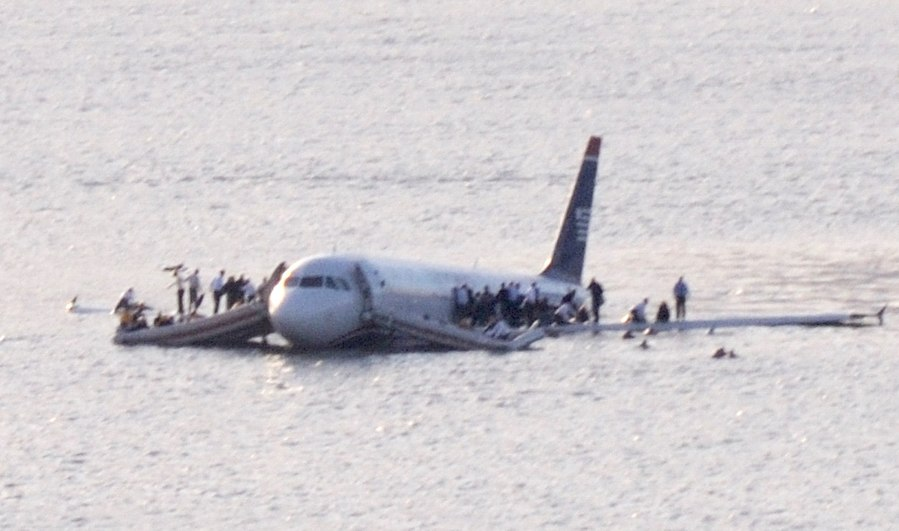 US Airways Flight 1549 (N106US) after crashing into the Hudson River (crop 2)