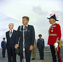 US President John F. Kennedy in Bermuda 21 December, 1961.jpg