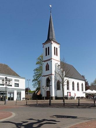 Uedem - Image: Uedem, die evangelische Kirche Dm A 04 03 86 foto 6 2016 05 05 16.00