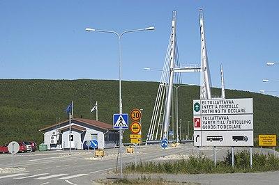 Bro över till Norge vid Utsjoki, nordligaste Lappland