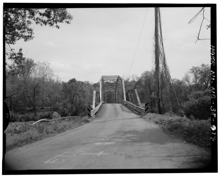 File:VIEW OF BRIDGE FOOTING, FROM NORTH - Berry Hill Bridge, Spanning Dan River at State Route 1761 (VA State Route 880), Eden, Rockingham County, NC HAER NC,79-EDEN.V,1-17.tif
