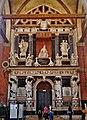 Venezia Basilica Santa Maria Gloriosa dei Frari Innen Denkmal des Dogen Giovanni Pesaro 3.jpg